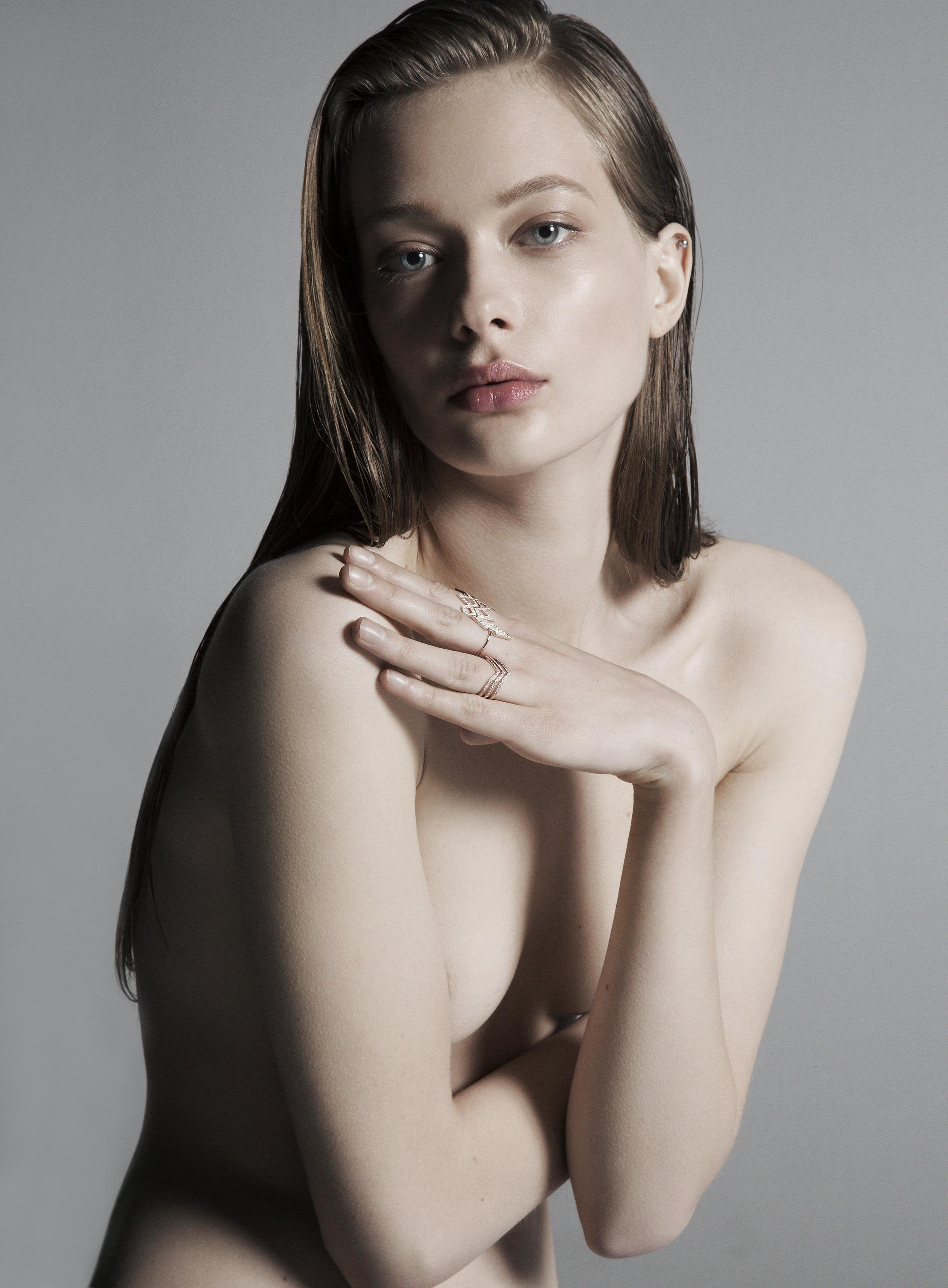 AlishaGoldstein_Tanya_beauty2.jpg