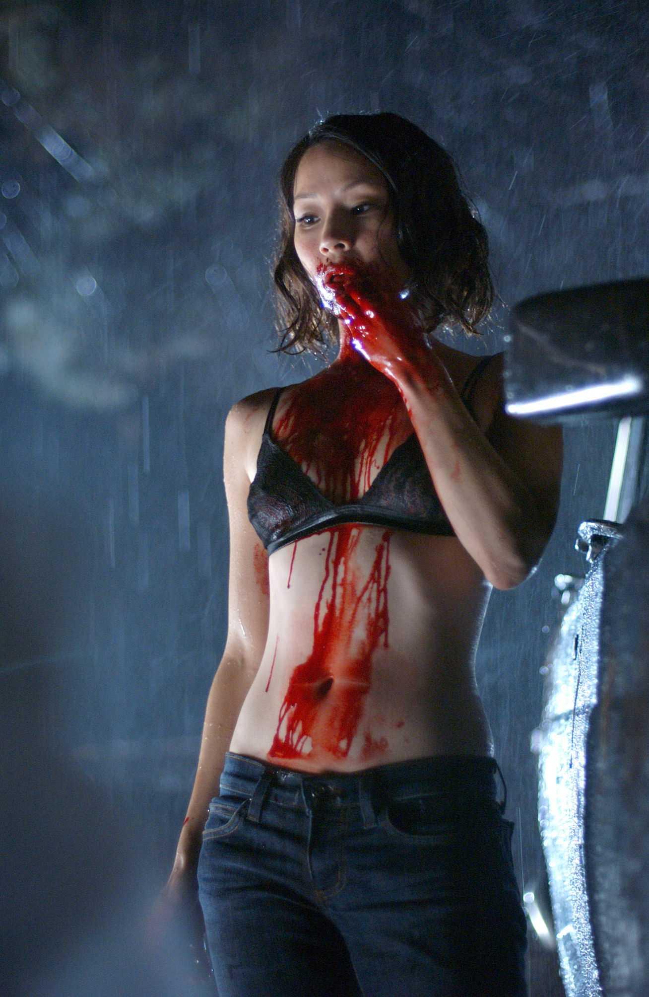lucy_liu_in_rise_blood_hunter.jpg
