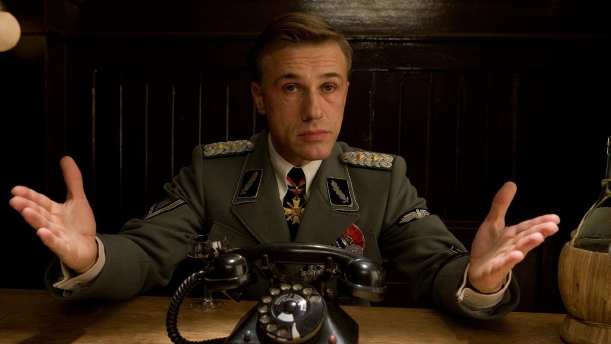 Christoph-Waltz-Bezslavnye-Bastards-Actor-1536x2048.jpg