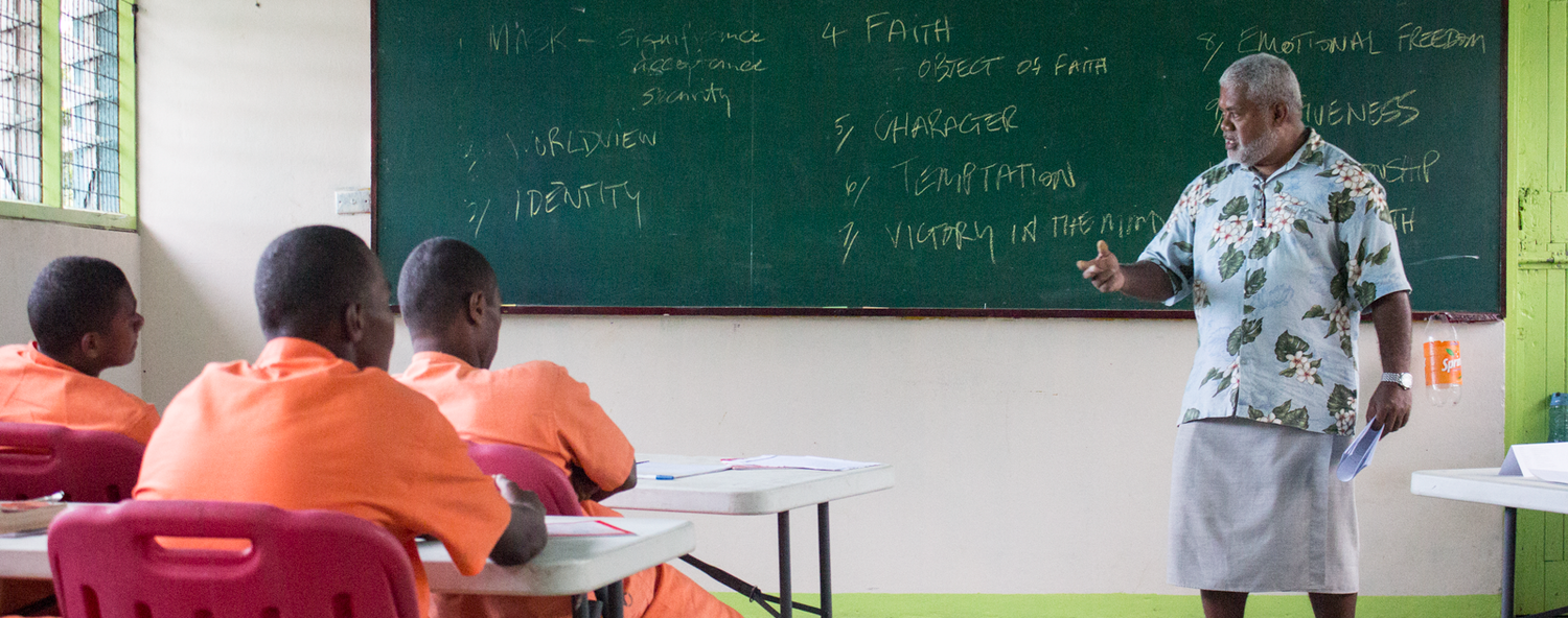 Eroni teaching the StepOut-StepFree class in Nasinu Correctional Centre