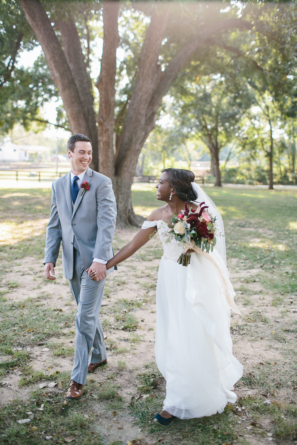 Fall Friday Wedding in Tulsa :  Ellie Be