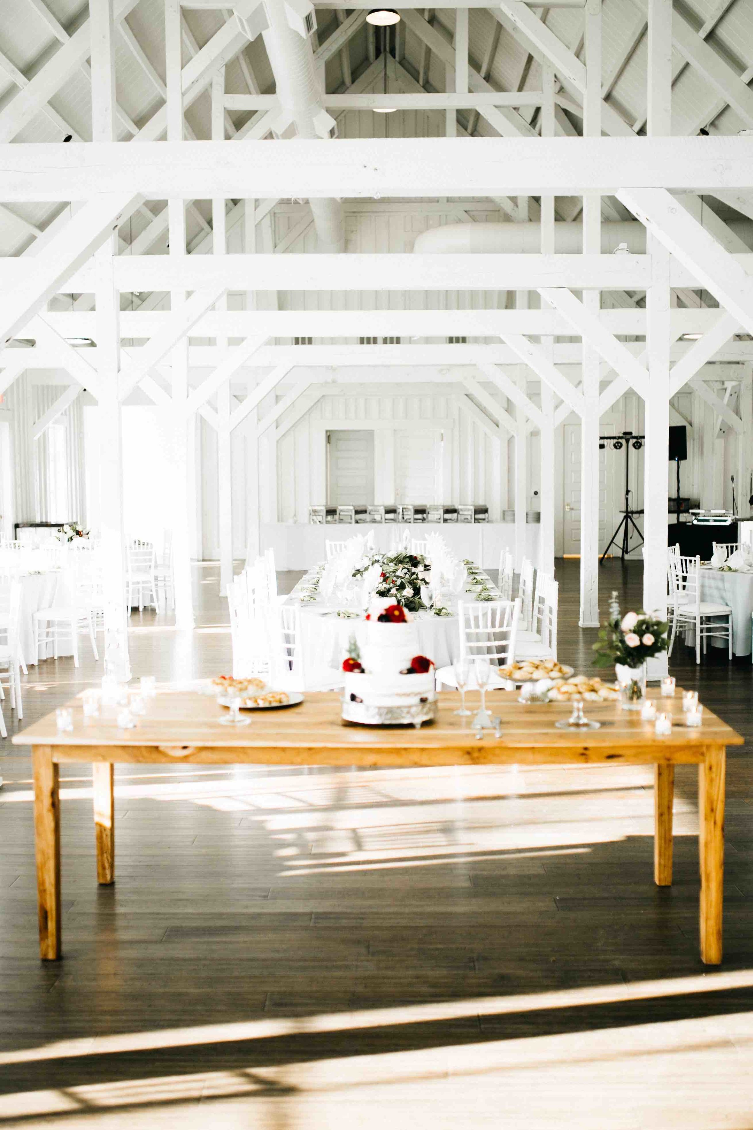 Simple and Chic Wedding Reception