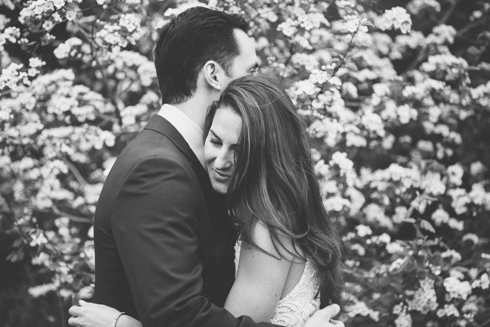 Romantic-engagement-photos-SirWinstonChurchillPark-Toronto-wedding-003.JPG