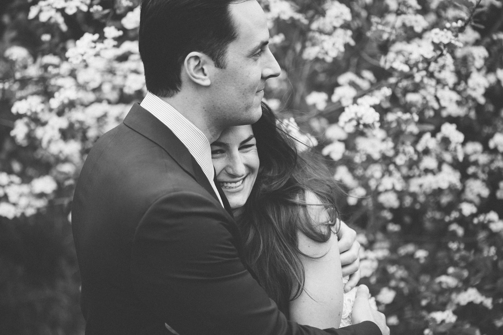 Romantic-engagement-photos-SirWinstonChurchillPark-Toronto-wedding-007.JPG
