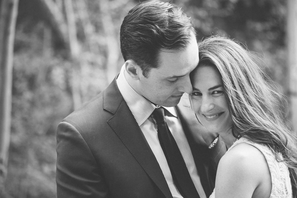 Romantic-engagement-photos-SirWinstonChurchillPark-Toronto-wedding-021.JPG