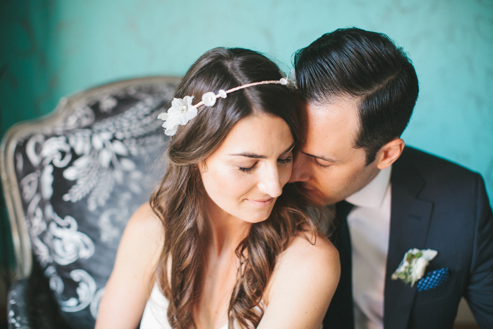 elegant-wedding-photos-GeorgeRestaurant-Toronto-peonies-033.JPG