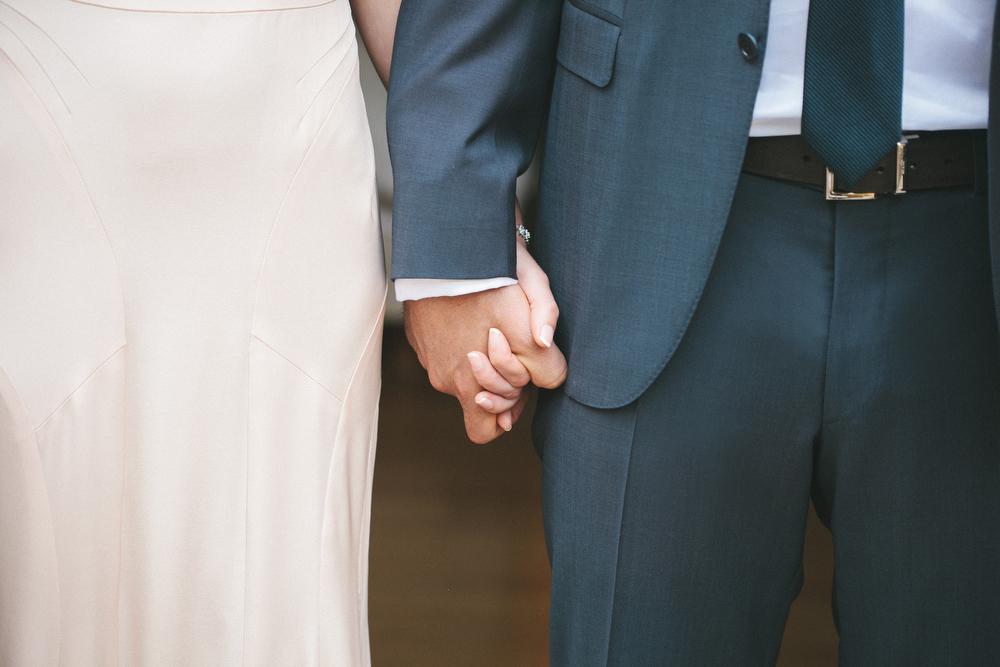 elegant-wedding-photos-GeorgeRestaurant-Toronto-peonies-039.jpg