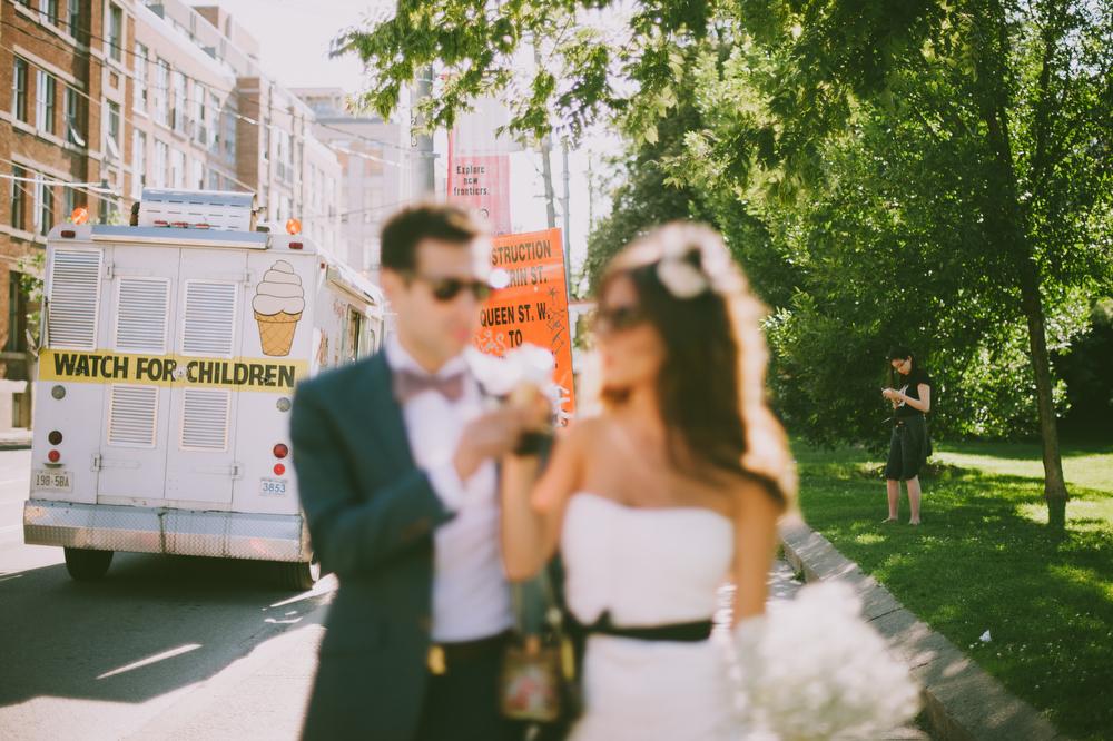 urban-wedding-photos-StorysBuilding-Toronto-Jewish-036.JPG