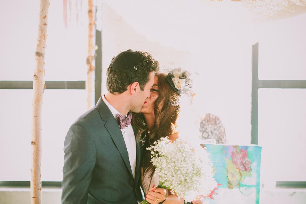 urban-wedding-photos-StorysBuilding-Toronto-Jewish-075.JPG