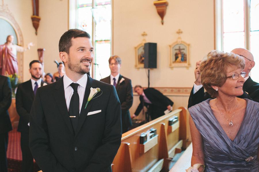 cottage-wedding-photos-CranberryGolfResort-Muskoka-musicians007.JPG