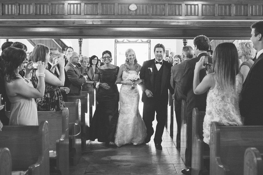 cottage-wedding-photos-CranberryGolfResort-Muskoka-musicians010.JPG