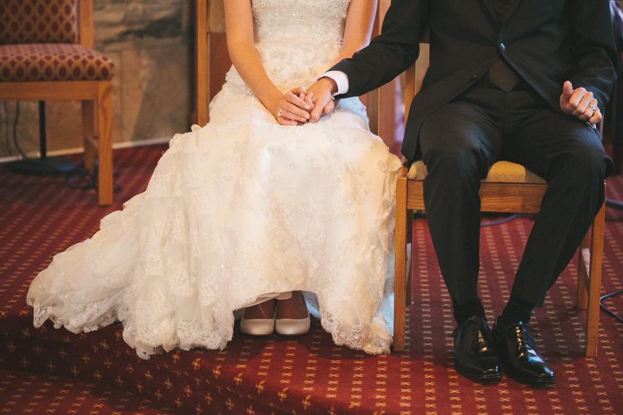 cottage-wedding-photos-CranberryGolfResort-Muskoka-musicians015.JPG