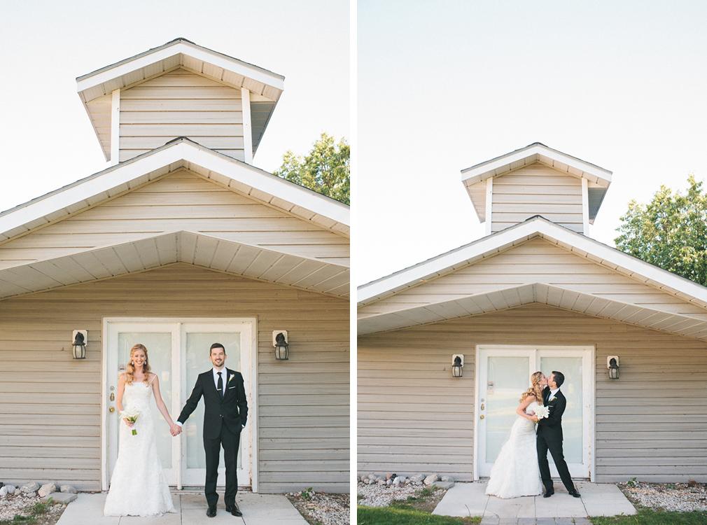 cottage-wedding-photos-CranberryGolfResort-Muskoka-musicians044.jpg
