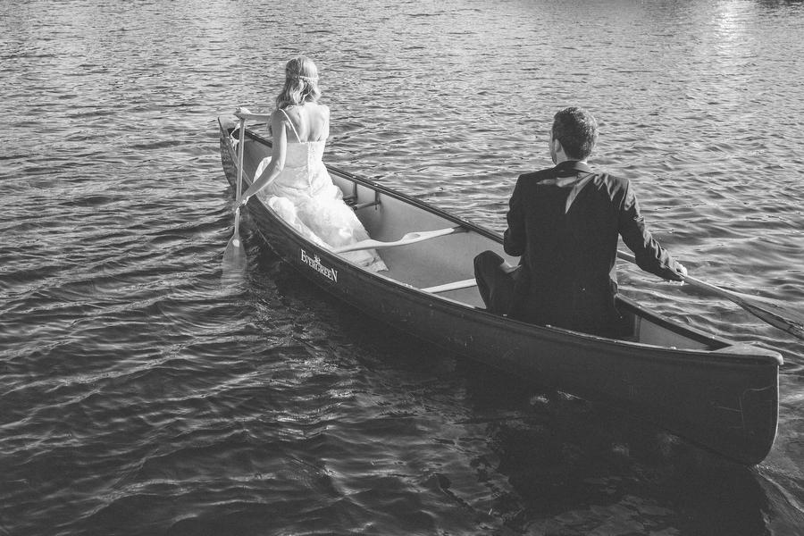 cottage-wedding-photos-CranberryGolfResort-Muskoka-musicians056.JPG