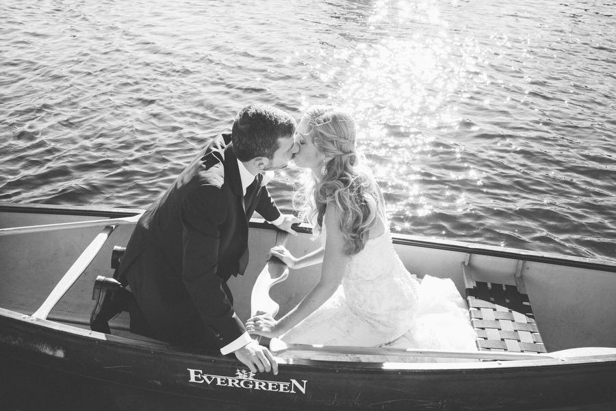 cottage-wedding-photos-CranberryGolfResort-Muskoka-musicians059.JPG