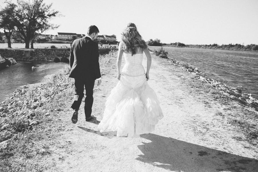 cottage-wedding-photos-CranberryGolfResort-Muskoka-musicians072.JPG