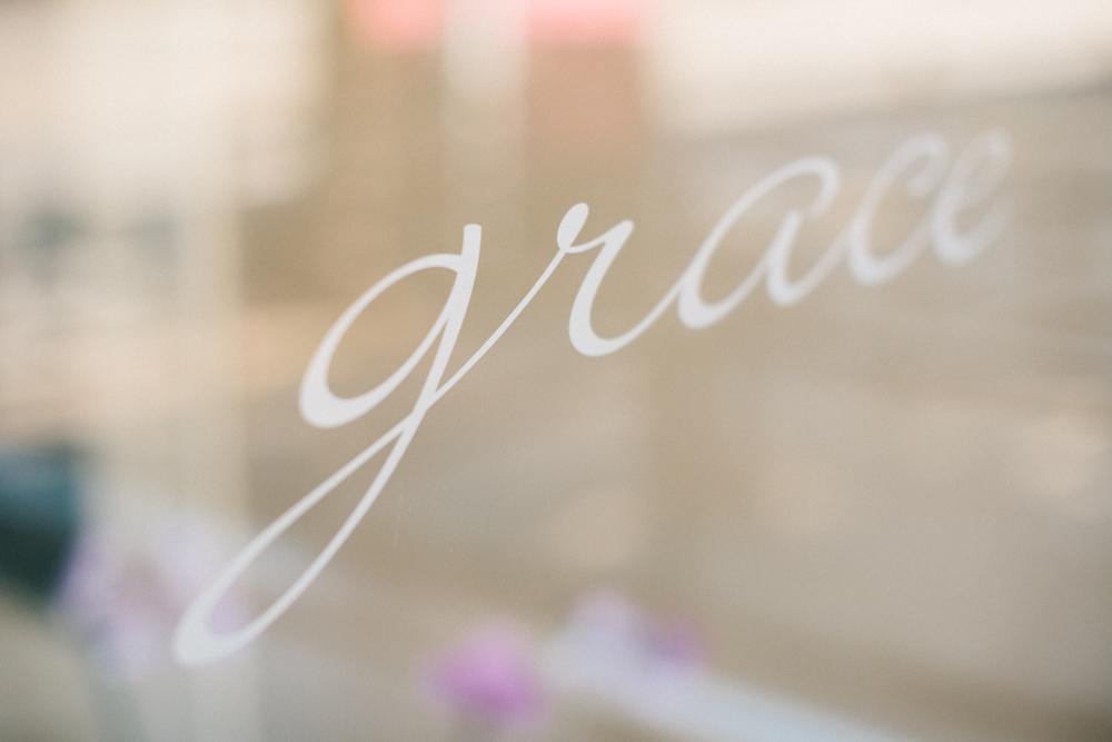 intimate-wedding-photos-Grace-Restaurant-Toronto-pregnantbride001.JPG