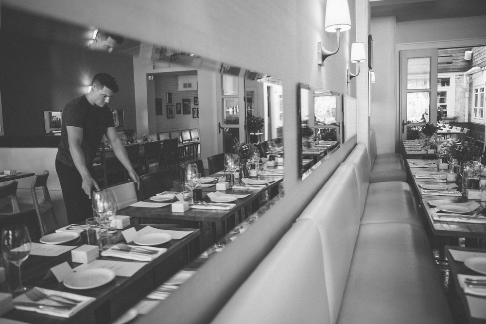 intimate-wedding-photos-Grace-Restaurant-Toronto-pregnantbride005.JPG