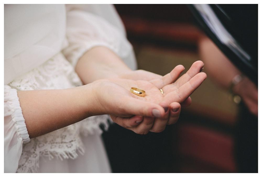 intimate-wedding-photos-Toronto-Louvrier-HighPark-033.JPG