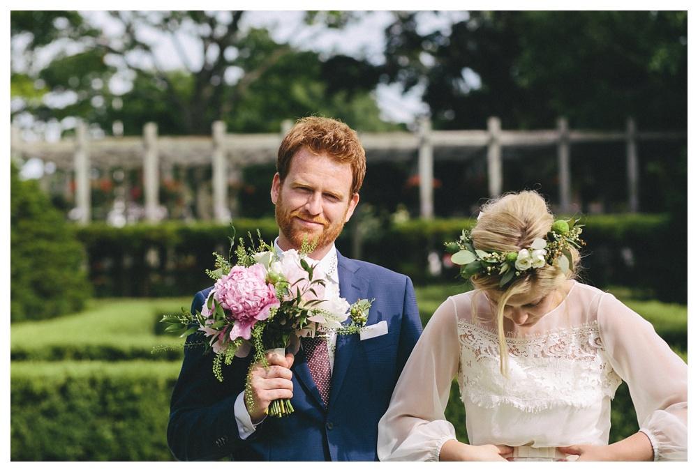 intimate-wedding-photos-Toronto-Louvrier-HighPark-056.JPG