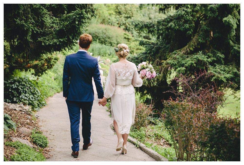 intimate-wedding-photos-Toronto-Louvrier-HighPark-067.JPG
