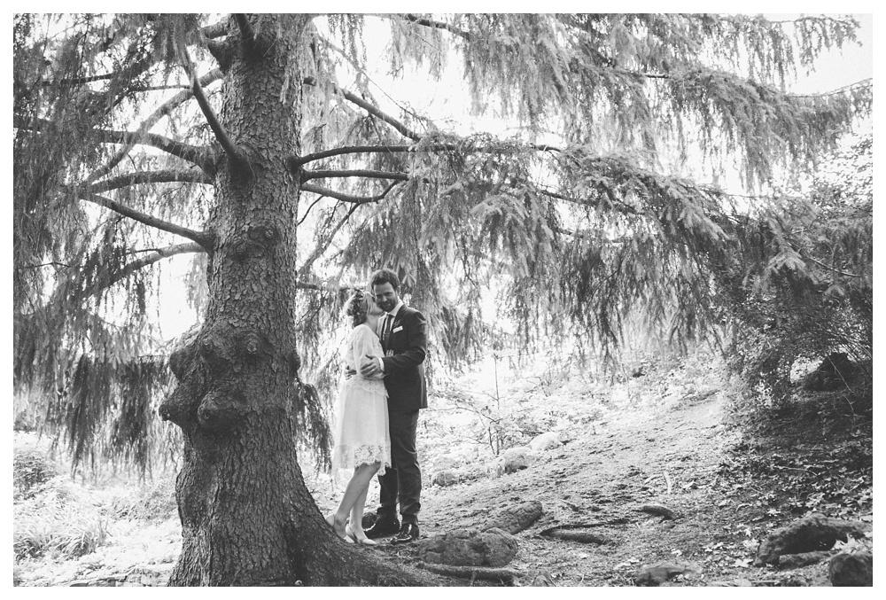 intimate-wedding-photos-Toronto-Louvrier-HighPark-068.JPG
