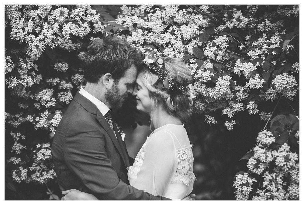 intimate-wedding-photos-Toronto-Louvrier-HighPark-075.JPG