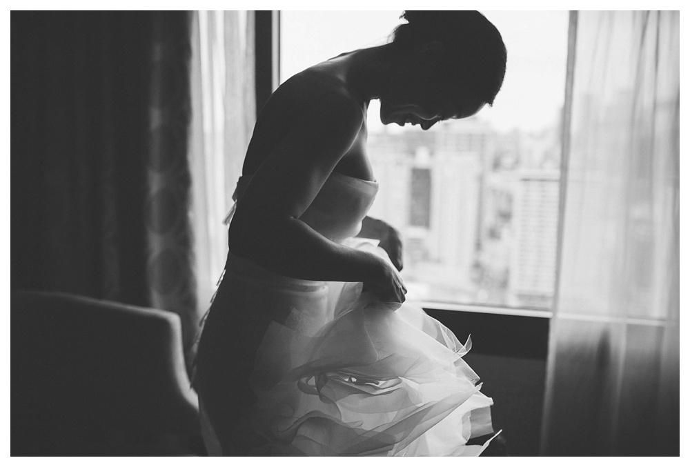 wedding, Arcadian Court, Toronto, hotel, bride, getting ready, wedding dress, Vera Wang, black and white, classic, intiamte, modern, urban