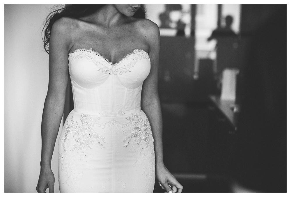 White Toronto, luxe, wedding, wedding dress, Gardiner Museum, 99 Sudbury, Ashley Lindzon, modern, Danijela Weddings, Inbal Dror, black and white, bride, dress detail, heart shaped,