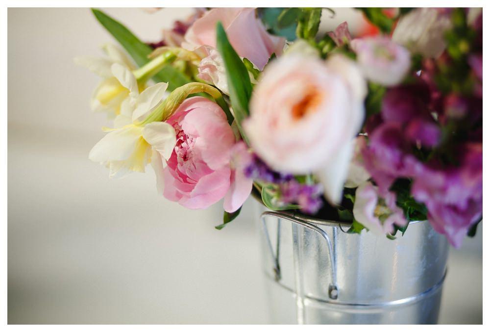 BlushandBloom-flowers-workshop-Toronto-wedding-photographer-florist-film-centrepiece-weddingflowers015.JPG