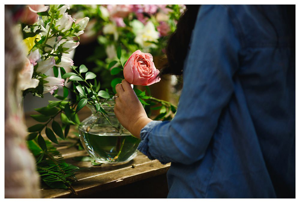 BlushandBloom-flowers-workshop-Toronto-wedding-photographer-florist-film-centrepiece-weddingflowers023.JPG