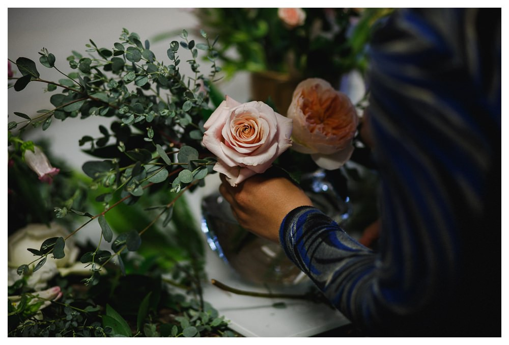 BlushandBloom-flowers-workshop-Toronto-wedding-photographer-florist-film-centrepiece-weddingflowers026.JPG