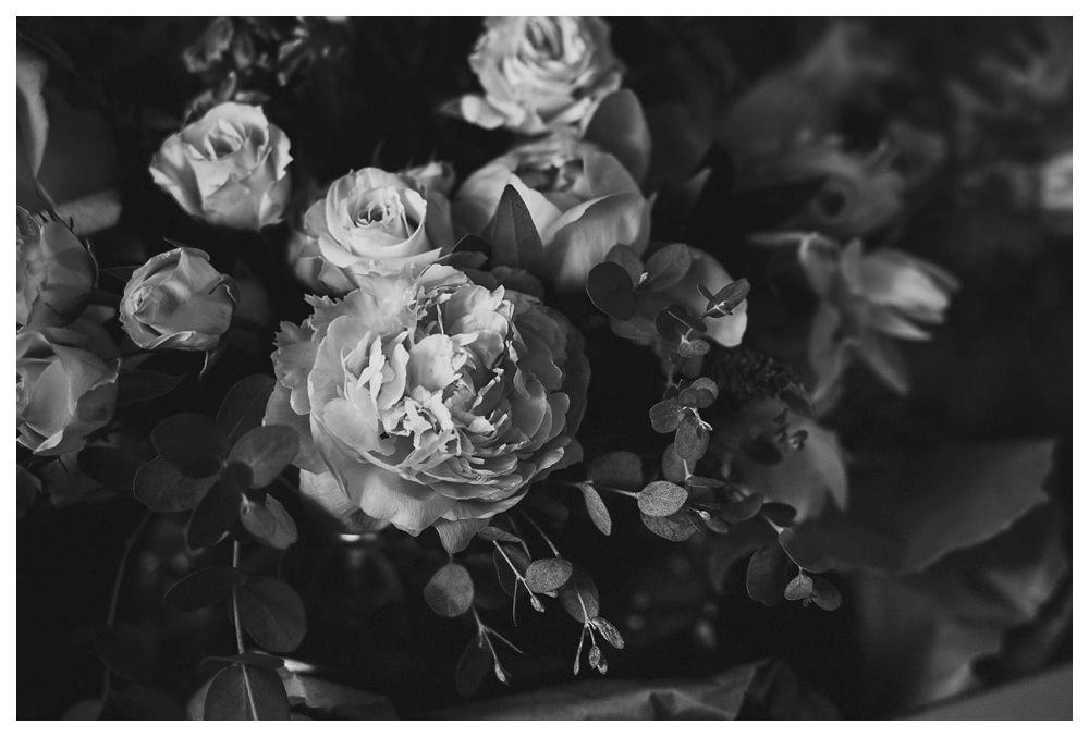 BlushandBloom-flowers-workshop-Toronto-wedding-photographer-florist-film-centrepiece-weddingflowers030.JPG