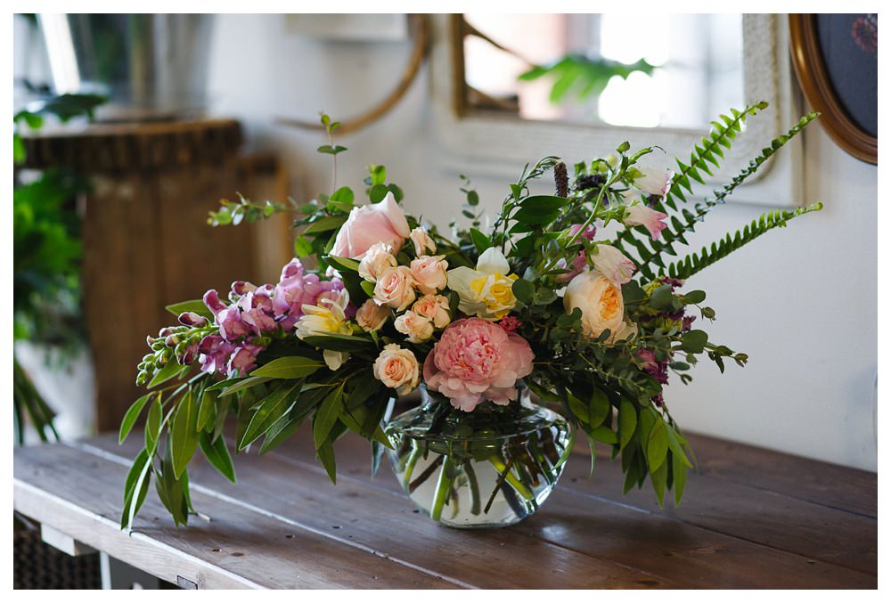 BlushandBloom-flowers-workshop-Toronto-wedding-photographer-florist-film-centrepiece-weddingflowers031.JPG