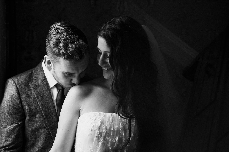 Kurtz-orchard-wedding-photos-danijelaweddings-rainy-romantic020.JPG