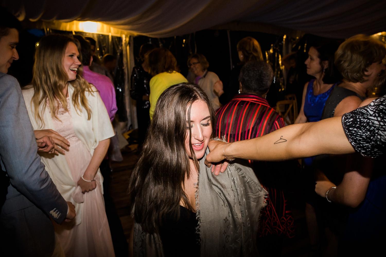 Kurtz-orchard-wedding-photos-danijelaweddings-rainy-romantic086.JPG