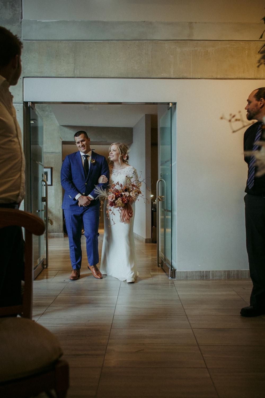 17-1021EJ-wedding-DanijelaWeddings-firstview0018.JPG