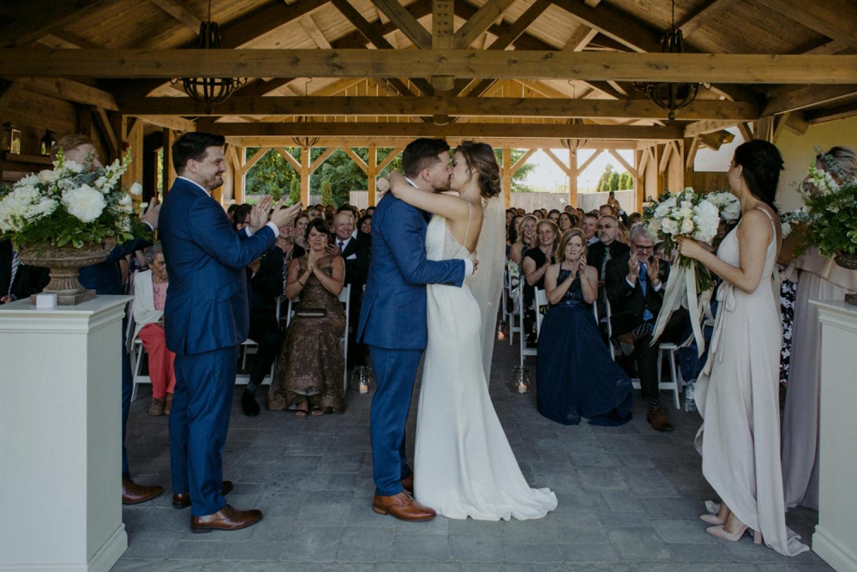 DanijelaWeddings-wedding-photos-Toronto-LangdonHall-countryclubwedding-luxe-artistic-035.JPG