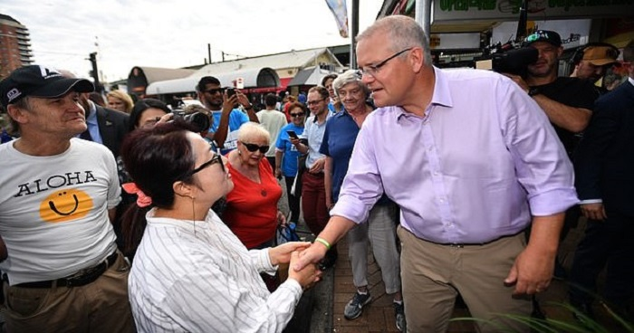 australian-pm-called-racist-after-video-of-him-saying-ni-hao-to-korean-woman-goes-viral-world-of-buzz-2.jpg
