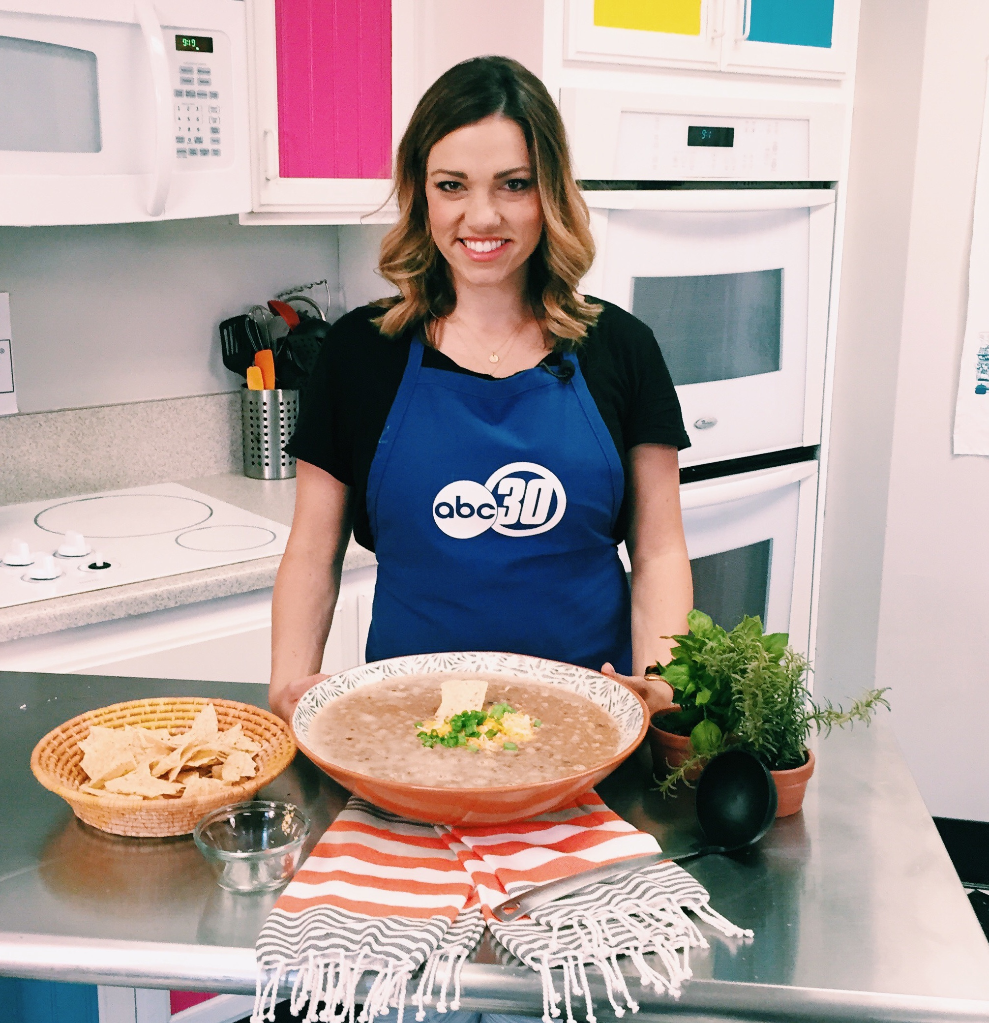 Chef Shayna's Quick & Easy Tortilla Soup featured on ABC30