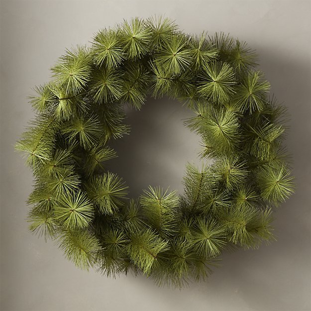 PineWreath36inHolSHF18.jpg