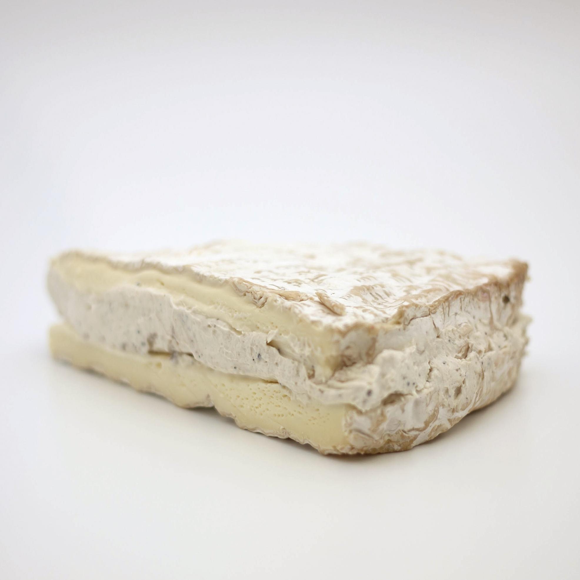 Brie aux Truffe2.jpg
