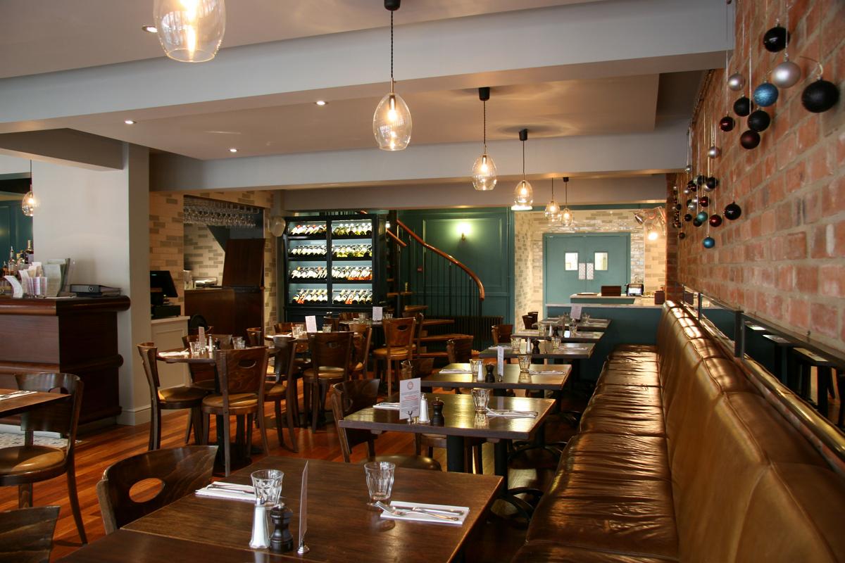 portabello_restaurant_designers_interior_architecture_oxford_rogue_designs_northern_lighting_unika_pendant_2
