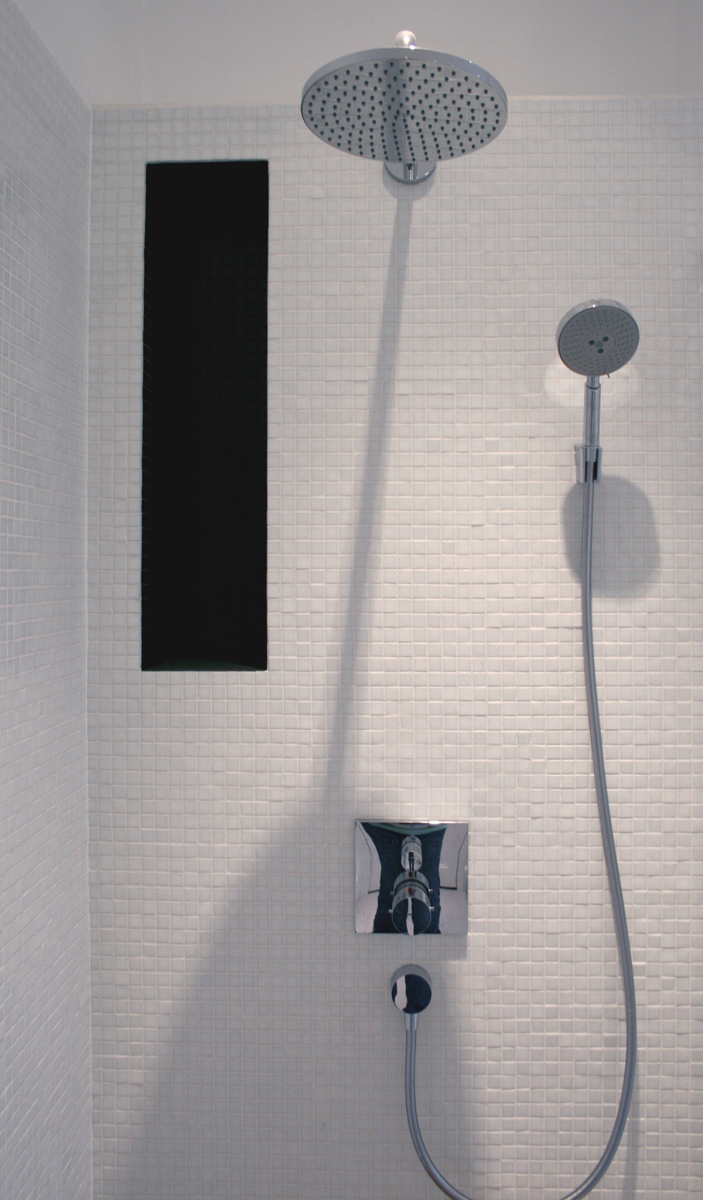 bathroom_alcove_shelving_design_hansgrohe_starck_dalsouple_rogue_designs_oxford_2