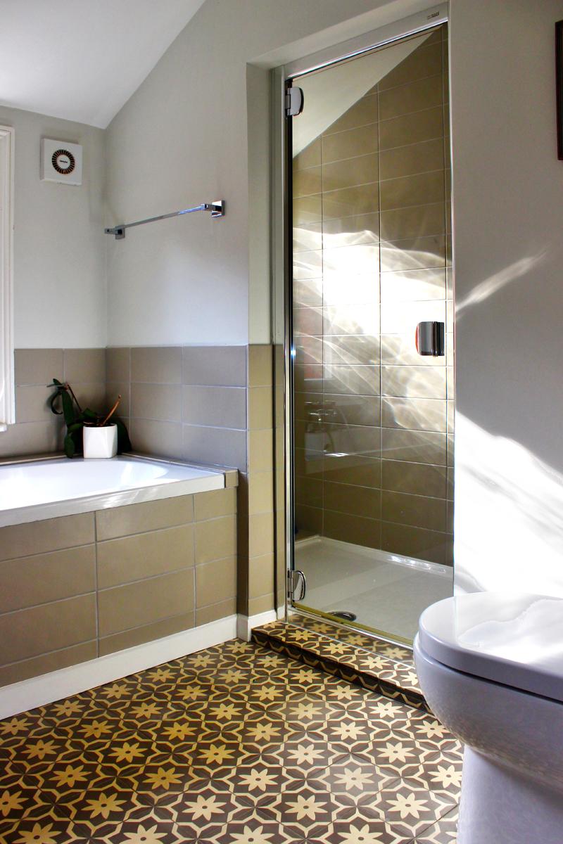concrete_cement_patterned_encaustic_tiles_moroccan_bathroom_rogue_designs_oxford_4