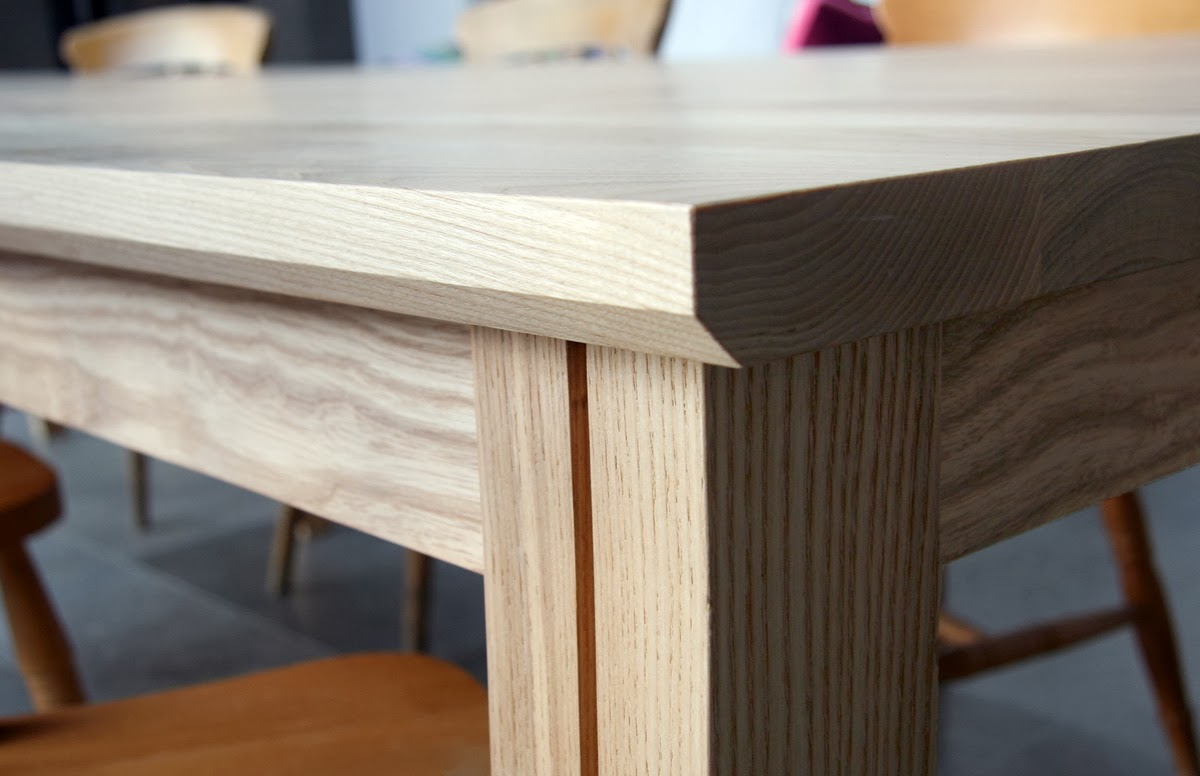 rogue_designs_oxford_extending_table_12_seater_48.jpg