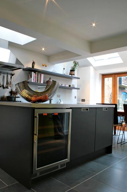 modern+kitchen+4+rogue+designs.png