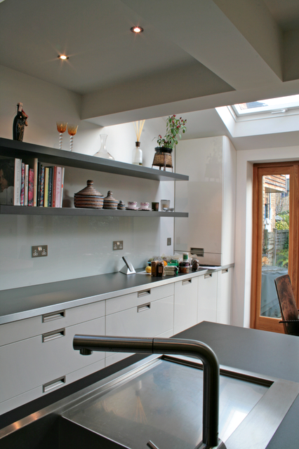 modern+kitchen+5+rogue+designs.png
