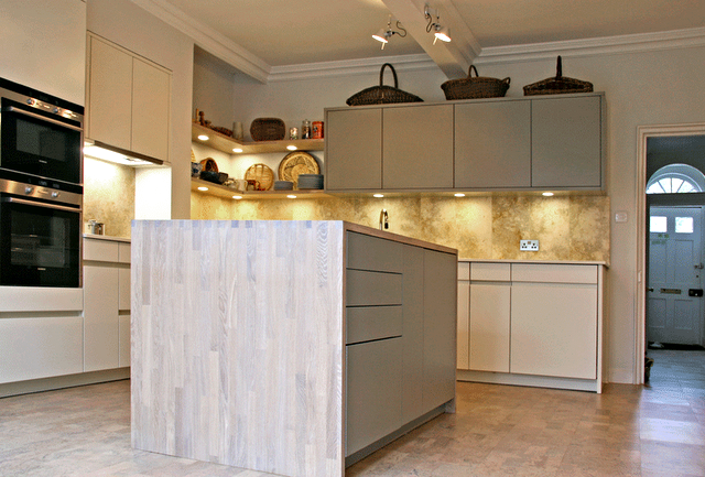 kitchen-island-unit-in-oak-v1.png