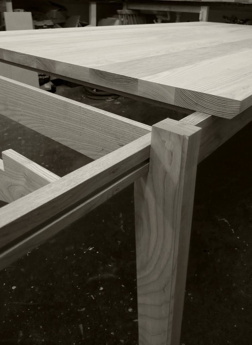 rogue_designs_oxford_extending_table_12_seater_45.jpg